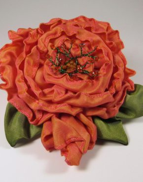 sr401-spiral-rose-with-bud-coral-color-shift-front-copy