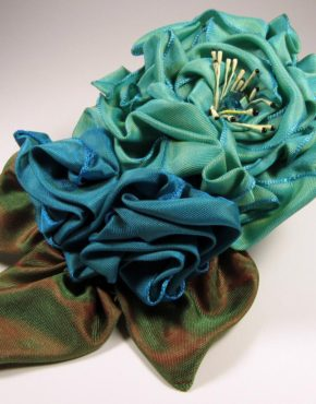 mf501-folded-rose-spray-teal-and-turquise-right-copy