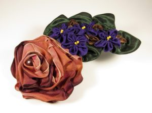 mf503-folded-rose-spray-with-violets-copy