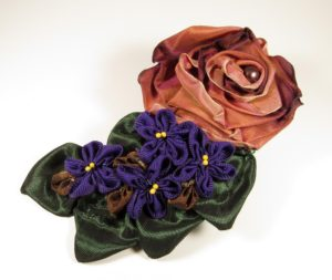 mf503-folded-rose-spray-with-violets-right-copy