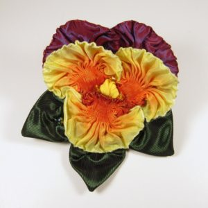 pf304-pleated-purple-and-yellow-pansy-copy
