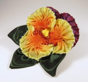 pf304-pleated-purple-and-yellow-pansy-side-copy