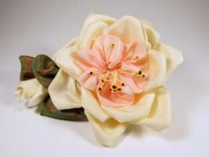 pr200-petaled-rose-cream-and-pink-front-copy