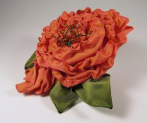sr401-spiral-rose-with-bud-coral-color-shift-right-side-copy