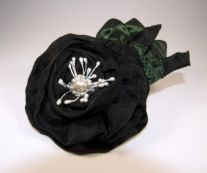 srs602-black-beaded-center-with-buds-copy