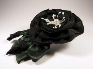 srs602-black-beaded-center-with-buds-left-copy